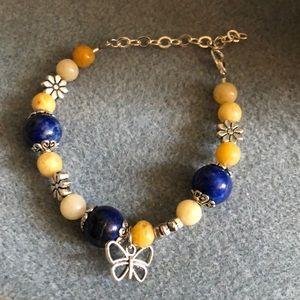 Jewelry - 🦋 quartzite & howlite flower bracelet